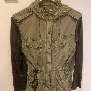 Aritzia Jackets & Coats - Aritzia S Babaton jacket - fits more like M- BNWOT